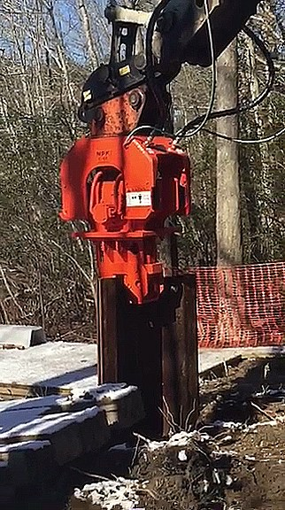 NPK's C6-CSD sheet pile driver – the smallest, more nimble model