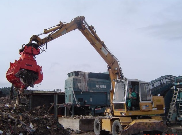 NPK DG-30 demolition grab, sorting and recycling C&D waste