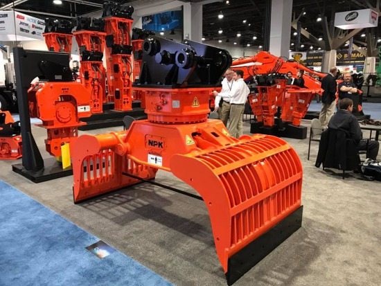 DG-40 demolition & sorting grab at NPKCE's booth at ConExpo 2017