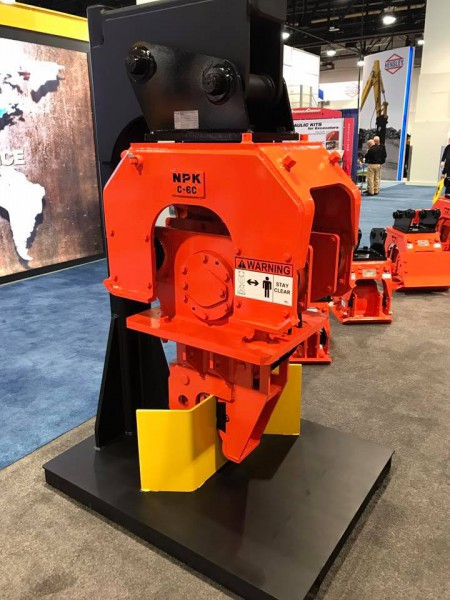 On display at ConExpo 2017 – C6-CSD sheet pile driver